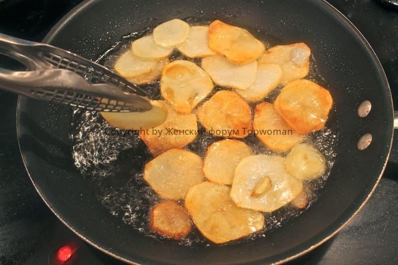 Чипсы из картошки на сковороде