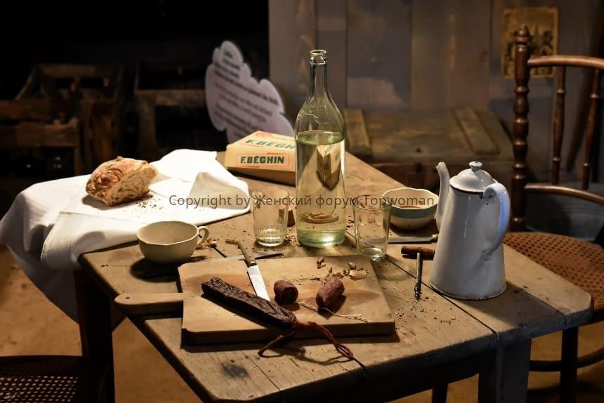 Почему нельзя оставлять пустую бутылку на столе