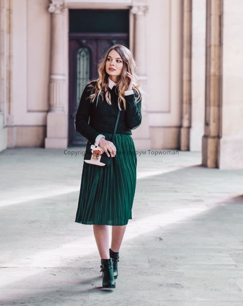 С чем носить изумрудную юбку