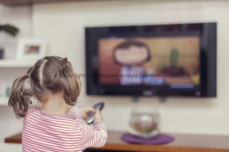 Сколько часов можно смотреть телевизор детям